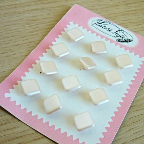 Perleťové knoflíky na kartě