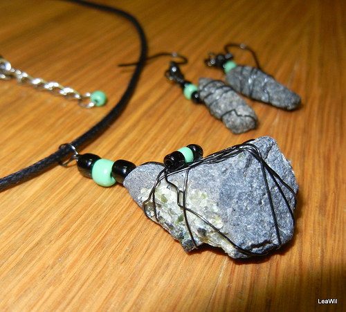 Čedičovo-olivínová záležitost v černém spoutání
