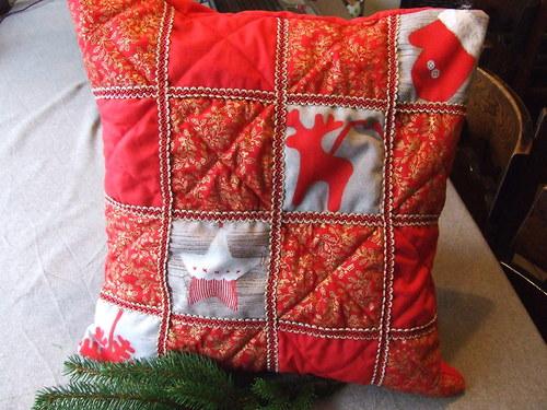 Vánoční polštářek - patchwork