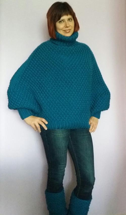 pletené pončo s návleky v modré