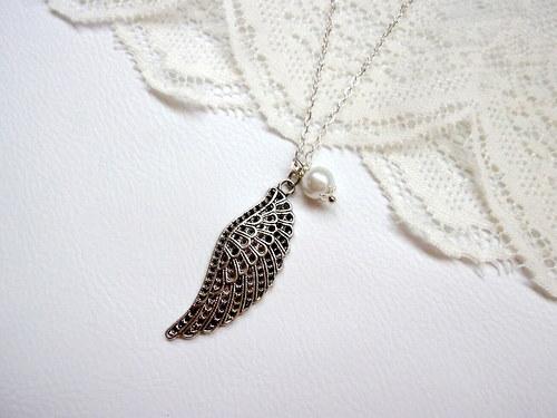 Andělský náhrdelník s křídlem