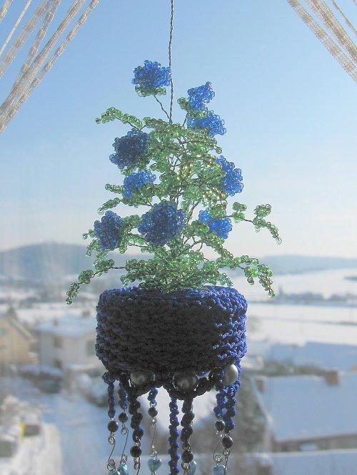 Růžičkový závěs modrý