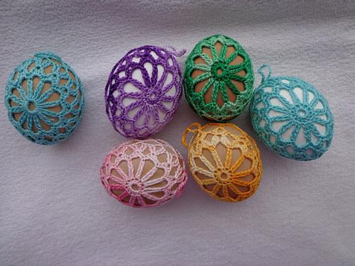 Háčkovaná vajíčka květ