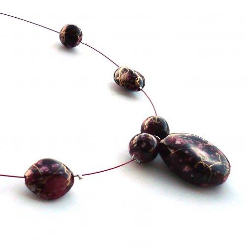 Temně červený náhrdelník I.