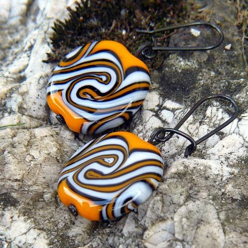 Náušnice, oranžové placky točené - vinuté perle