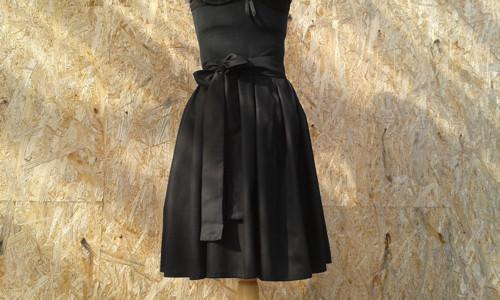 Skládaná sukně z bavlněného saténu na míru