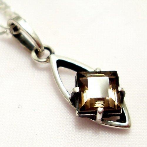 Přívěsek «Loďka» - stříbro 925, přírodní záhněda