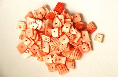 Mušle - oranžové čtverečky 35g