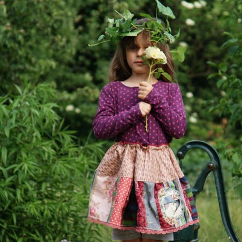 V nepletých zahradách mé duše II ...sukně 4-6 let