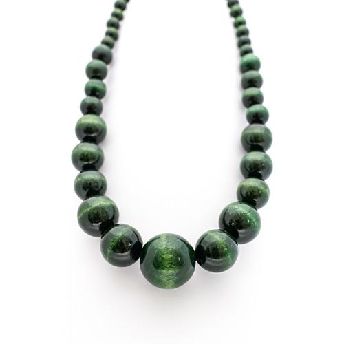 Ultraelegant dark green