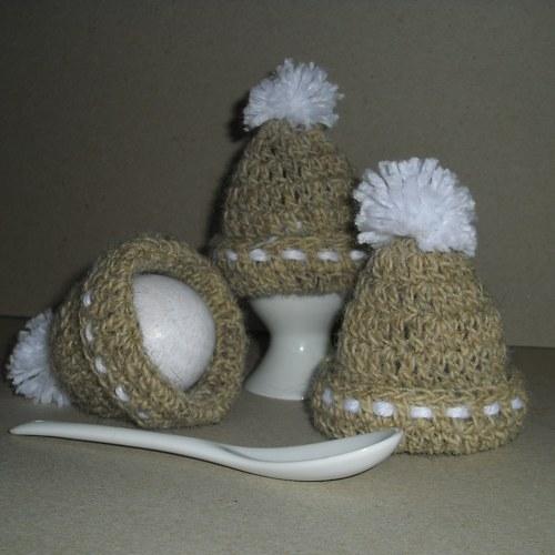 Čepička na vajíčka s bambulkou