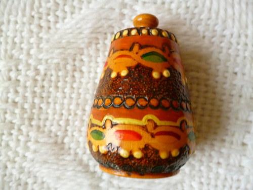 Dřevěná nádobka z Bulharska