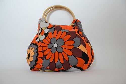 kabelka do ruky - kytka