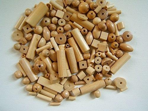 Dřevěné korálky mix malý - 50gr