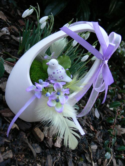 """Jarní dekorace - \""""fialový ptáček\"""""""