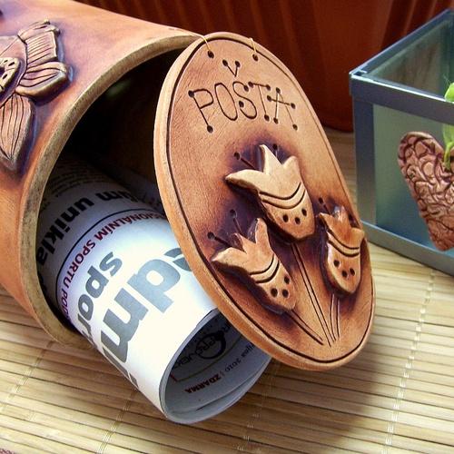 keramická poštovní schránka