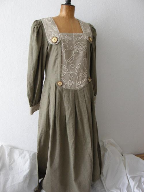 dobové šaty nenošené