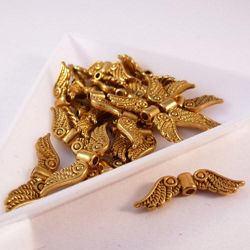 Kovová andělská křídla 23 mm zlato 8 ks