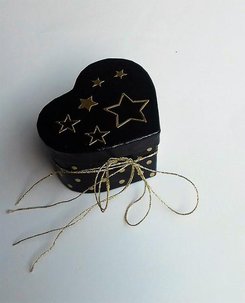 Dárková krabička černá a zlatá