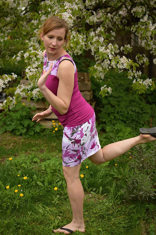 Tílko lila se sedlem květy, vel. S