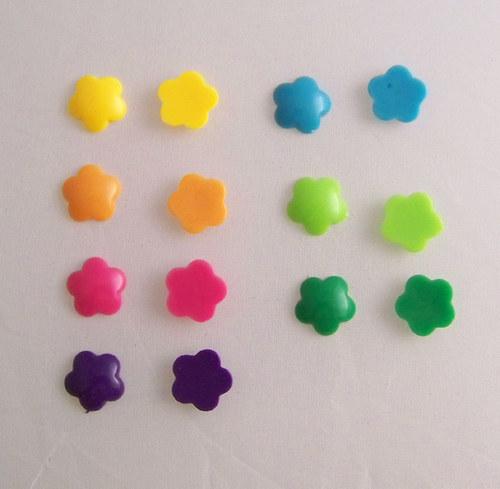 Akryl. čočka PASTEL kytka/ / tm.růžová/ 14mm/ 10ks