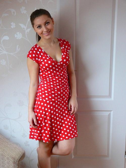 Šaty s puntíkem (ve více barvách)