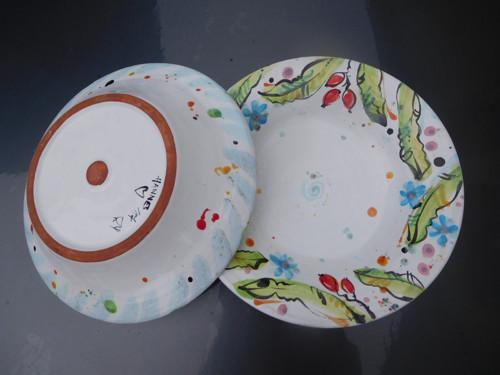 velký hluboký talíř/mísa se šípkami