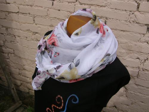 Hedvábný šátek romantický
