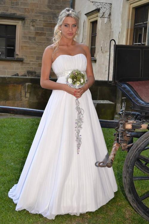 Svatební plisované šaty na míru