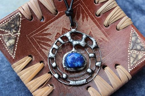 AMULET LAPIS LAZULI - cínový šperk