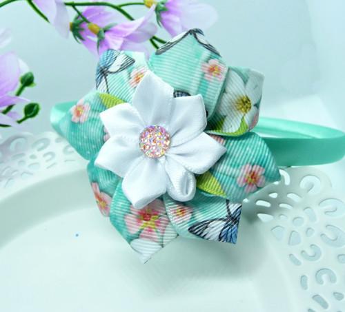 Čelenka s květinou