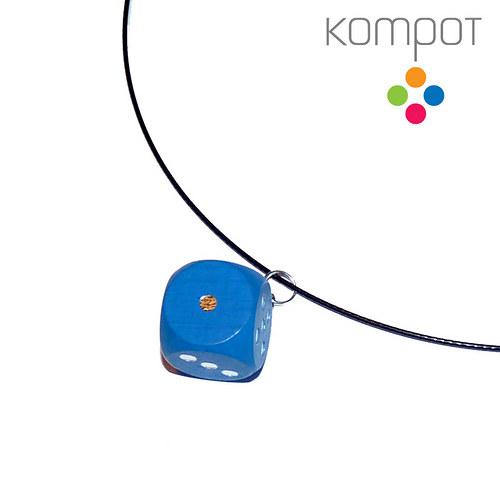 Náhrdelník s kostkou :: modrý