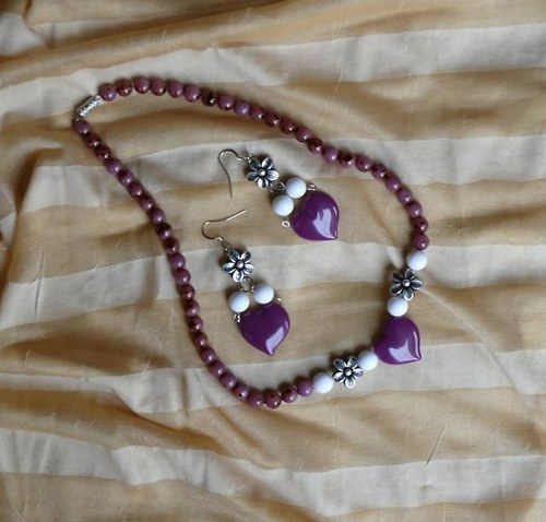 set - náhrdelník+náušnice fialové srdce + květinky