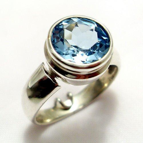 Prsten «Piková Dáma» - stříbro 925, modrý topaz