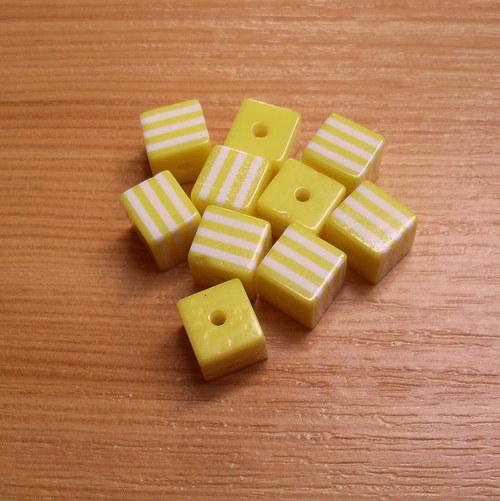 Pruhované kostičky - 8 mm - 10 kusů