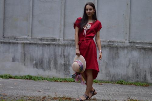LIWIA - originálne šaty s ručnou výšivkou