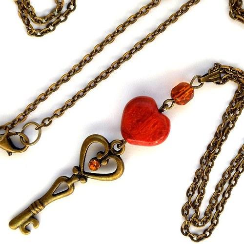 Náhrdelník Klíč a srdce z houbového korálu