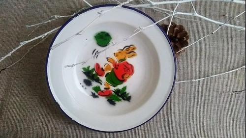 Utíkej zajíci! ...... dětský smaltovaný talíř