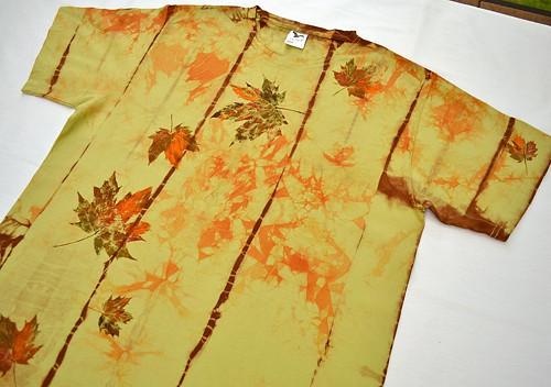 Zeleno-oranžovo-hnědé batikované triko s listy L