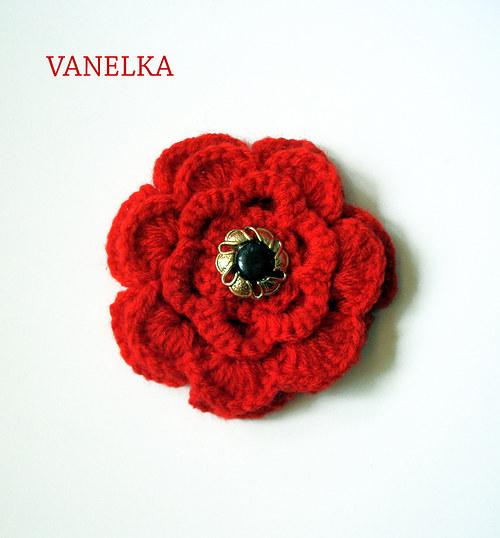 Red flower - háčkovaná brož