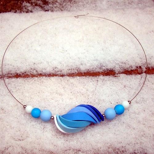 náhrdelník ulita v modrých tónech