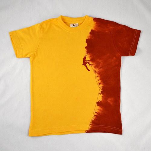 Žluto-vínové dětské tričko s horolezcem (8 let)