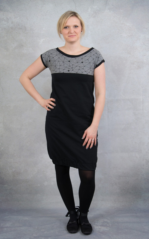 Šaty černé geometry