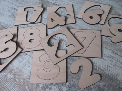 Dřevěné číslice 8 cm - s rámečkem