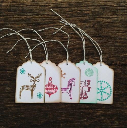 Visačky s vánočními motivy