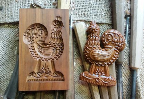 kohoutek-dřevěná forma na perník a keramiku