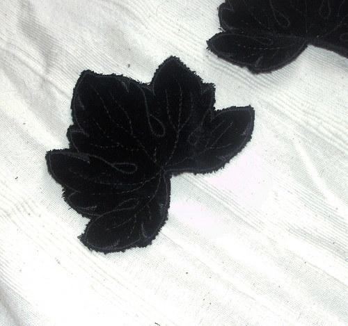vinný list černý - nášivka