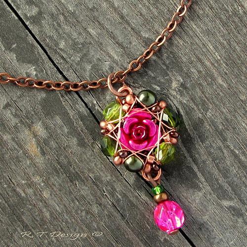 Náhrdelník Královna květin II...