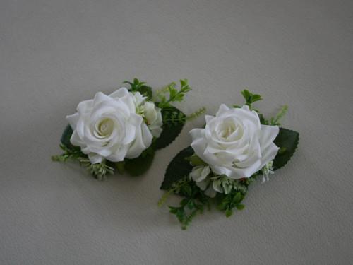 Květinová brož nebo menší korsáž