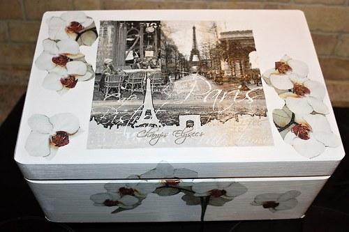 Paříž s orchidejí - truhla